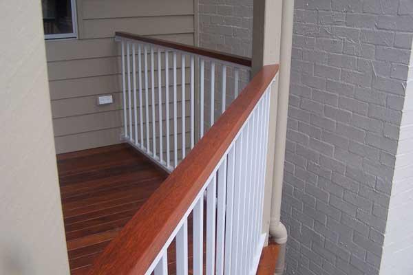 Aluminium balustrades with wood like finish