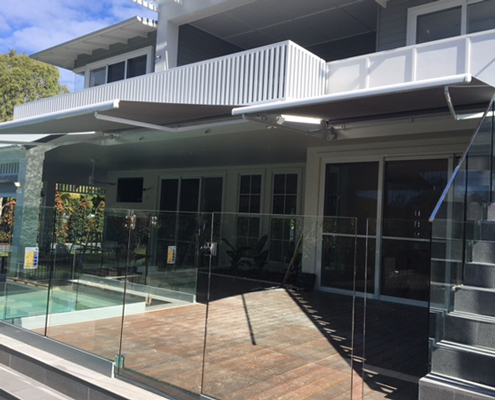 Glass balustrading easily see the kids in the pool