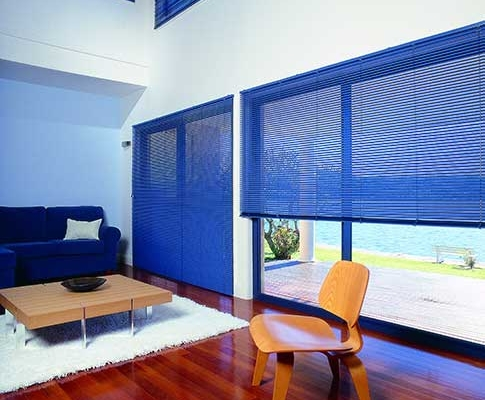 Blue venetian blinds aluminium finish