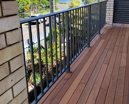 Powder coated aluminium veranda fencing and balustrading