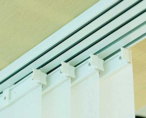 tracking of panel blinds