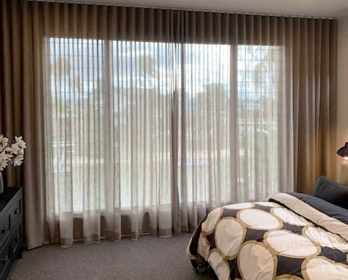 Sheer curtains modern look for the bedroom